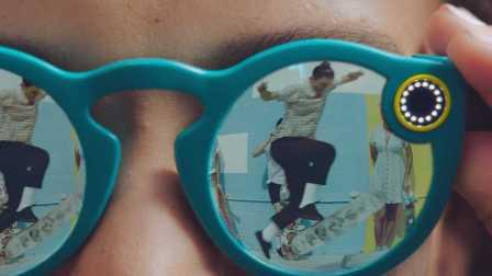 装有摄像头的眼镜Spectacles 你我就是拍摄主角