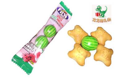 进口零食 小黄人夹心饼干 西瓜夹心泡泡糖 海底小纵队试吃