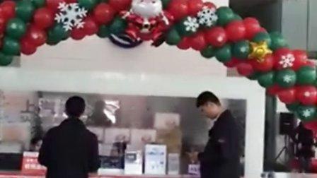 南宁圣诞拱门制作南宁圣诞主题策划布置南宁圣诞主题气球南宁攸美气球策划