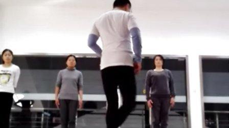 周应汉瑜伽精品小班课视频实录片段