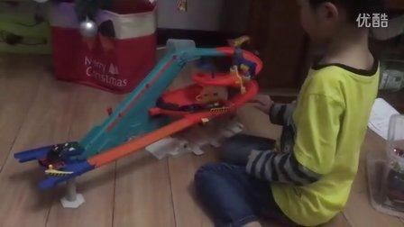 风火轮轨道车玩具电动扶梯加油站赛车汽车玩具