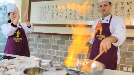 吃货老外学做川菜