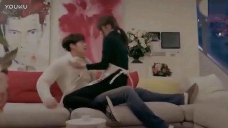韩国电影 小情侣刚进门就迫不及待地激情
