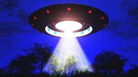 外形怪异发光的UFO,令孩子们尖叫连连