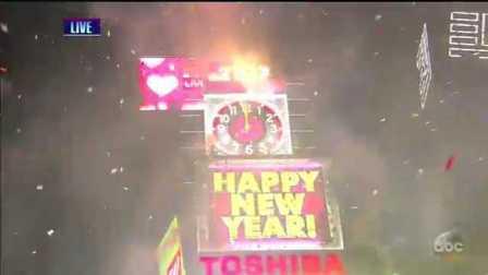 【猴姆独家】纽约时代广场新年倒计时来咯!数万人一起跨年的感觉超棒!