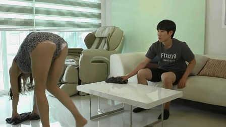 韩国伦理爱情电影<俄罗斯妈妈>大胆讲述了儿子和后妈之间激情的小游戏
