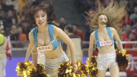 CBA-大秀事业线!美女宝贝性感白裙热舞 满屏都是大长腿