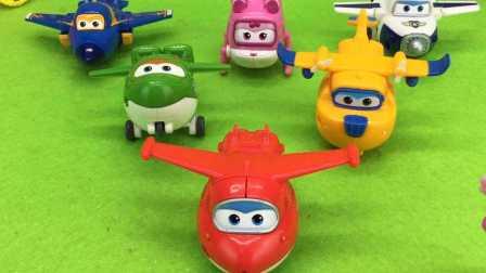 超级飞侠变形机器人玩具
