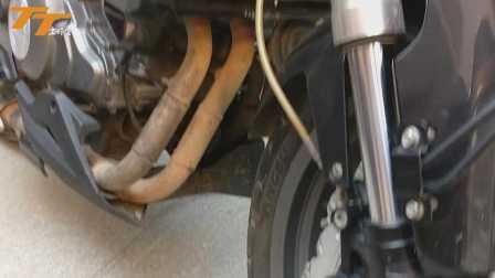 黄龙300用了一年排气管旧迹斑斑