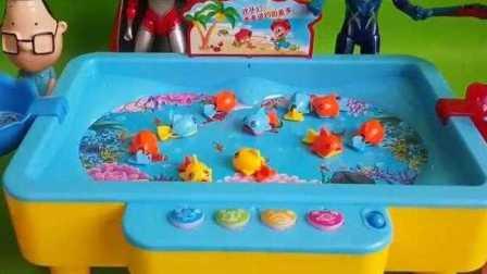芭比娃娃跟爆笑虫子一起去河边钓鱼,小鸡彩虹 葫芦小金刚