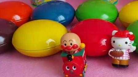 佩格和小猫一共拆了10个巧克力玩具蛋,好厉害!小羊肖恩 公主恋人