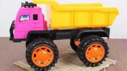 挖掘机与卡车工作视频 儿童工程车表演 汽车总动员动画片中文版 大脚车狂飙赛
