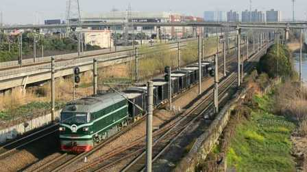 【中国国铁】DF4B-6262牵引KZ70矿车