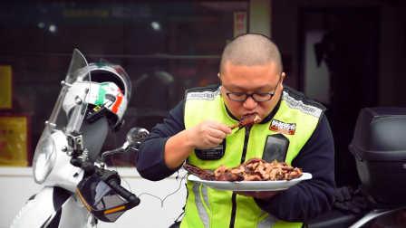 《骑着摩托吃肉肉》 第17集 木梯羌寨和固驿的甜皮鸭