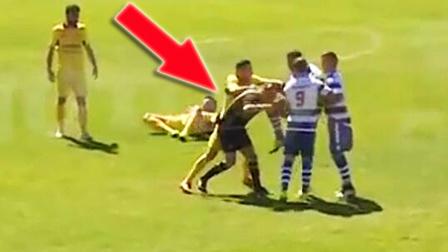 球员被罚黄牌后铁膝KO裁判 救护车最后都来了