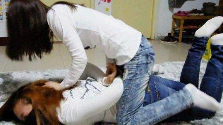 白袜女生们 在床上打架 互相想伤害 好激烈!妹子你节操掉了!