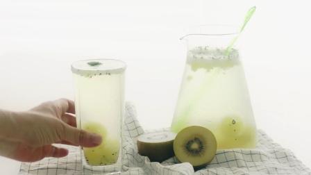 【Amy时尚世界】夏日清凉奇异果果冻气泡水