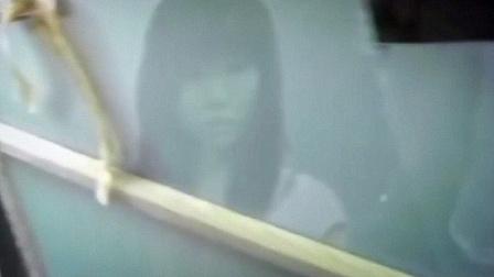 表蛋疼 2017:鬼影实录之传说中的鬼屋:日本网友探访拍到脏东西 77        8.9