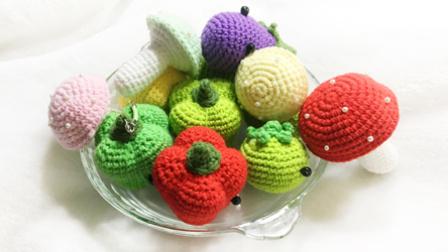 【小脚丫】(彩椒)毛线钩法毛线彩色辣椒的钩法学钩玩偶毛线蔬菜编织款式