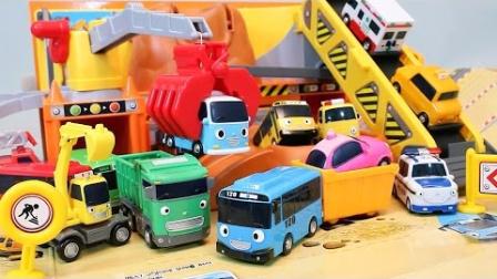 1029 - 大冶小客车获得重型聚酯淘气小企鹅玩玩具大冶小公交车Toys