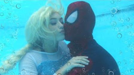 蜘蛛侠和艾莎公主亲吻,艾莎公主怀孕生宝宝