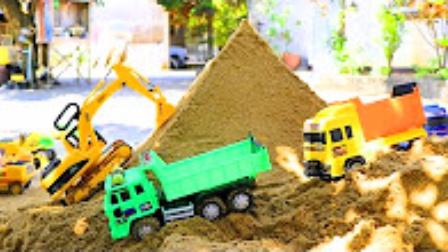 兒童玩具挖掘機挖土視頻 挖掘機工作表演大全 大卡車視頻