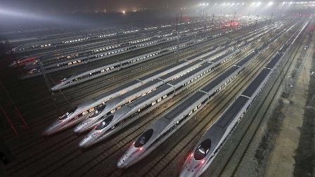 中国高铁背后的军事意义,十万大军千里奔袭半日可达