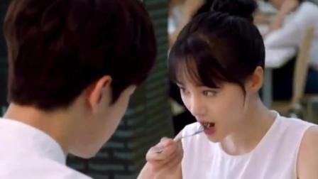杨洋郑爽甜蜜在校园吃早餐, 被父亲撞见竟然这样评价