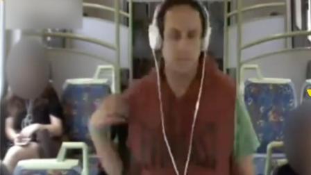 姑娘们要注意 火车变态男猛掐女乘客脖子
