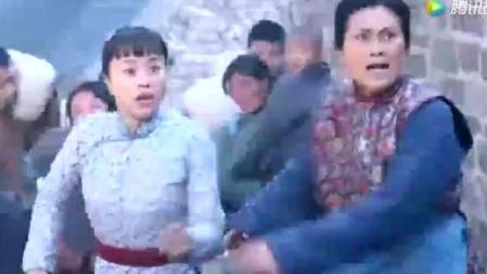日本鬼子进村扫荡, 这样欺辱母亲!