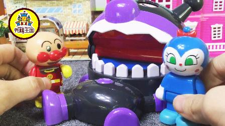 姐姐讲故事 2017 细菌小子阻止面包超人给佩奇家送蛋糕 213 细菌小子阻止超人送蛋糕