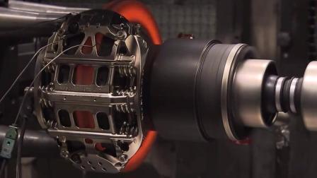 测试时速290公里的F1赛车动力系统急刹, 会发生什么变化