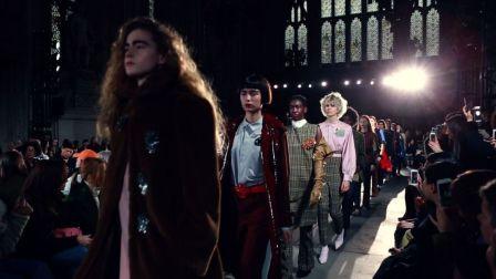 GLAMGAL:@Candy Li 48小时逛2017伦敦时装周
