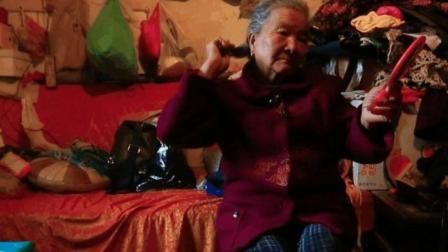 """农村老人有多凄凉! 当老奶奶拿出她的""""宝贝"""", 我失声痛哭!"""