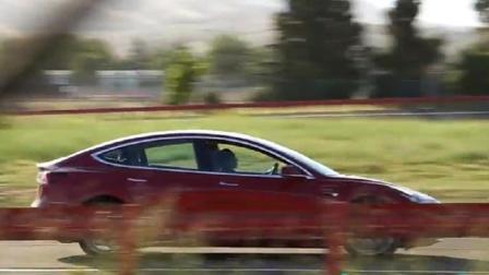 特斯拉Tesla Model 3 被拍到做性能测试