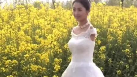 最美断臂女孩杨佩结婚了, 新郎是她当初的恩人, 穿上婚纱特别漂亮