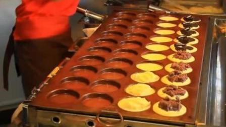 实拍: 街边夹心蛋糕的做法, 香酥软甜, 原来老板加了这些