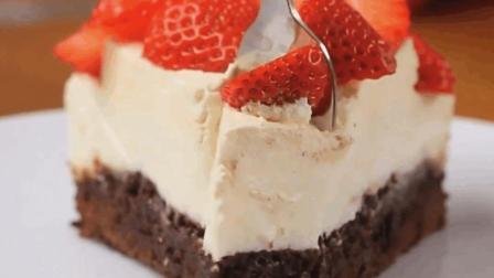 吃货必备, 1分钟学会做草莓布朗尼蛋糕