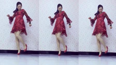 青青世界广场舞《女大要出嫁》简单32步鬼步