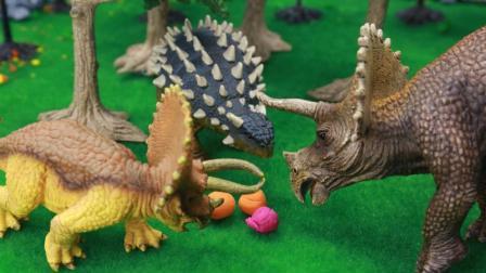 『奇趣箱』恐龙故事: 甲龙智救遭遇雷斯克暴龙追击的三角龙