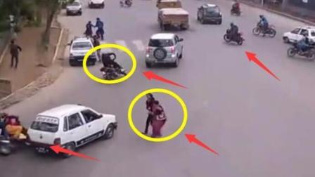 国外女子正过马路, 越走越发觉不对劲, 监控记录下这样的画面