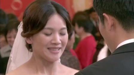 婚礼上, 男方父亲不待见女方家属, 新娘子这么做, 让人感动