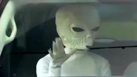 恶搞外星人突袭, 路人的反应把我笑抽!
