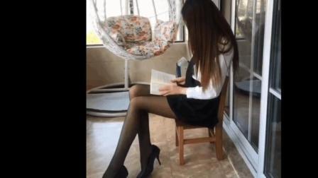美女老师备课的样子真美, 这样才貌双全的美女不多见了