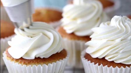 【料理短片】烘焙新手必看-如何装饰纸杯蛋糕