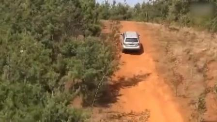 汽车: 哈佛H5, 陆风, 吉姆尼国产越野车爬坡测试, 谁更丢脸呢