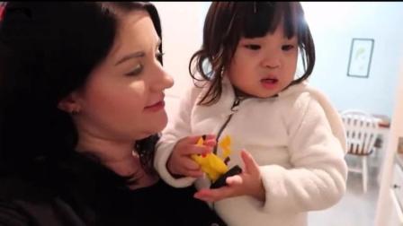 美国家庭收养的中国女儿, 美美的英文水平大有长进