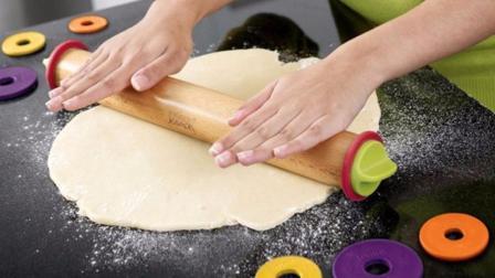 一个从不下厨房的女孩儿 擀面的功力却能精确到毫米 怎么做到的 56