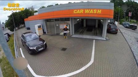 爆笑恶作剧: 洗车房将黑色奥迪洗成白车急坏美女车主, 要求重新后洗成透明色, 车主崩溃