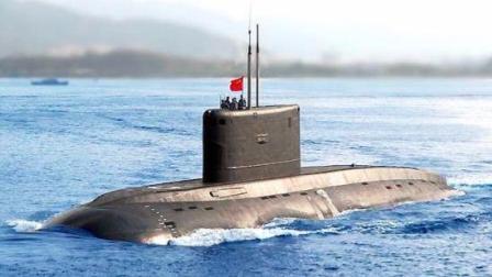 实拍中国潜艇遭美军机紧急下潜 歼11快速驱逐美军飞机